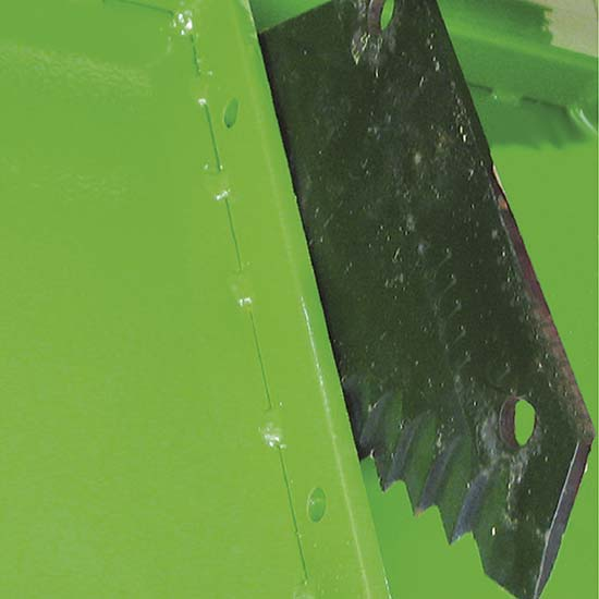 Falcia-autocaricante-Bonino-coltelli-trinciaerba-self-loading-zero-grazer-shredding-blades-faucheuse-autochargeuse-couteaux-coupe-herbe-segador-autocargador-hojas-cortahierba-Mählader-Grashäcksler