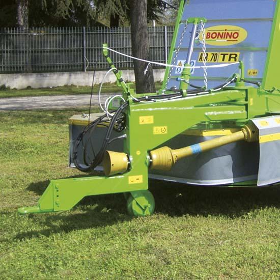 Falcia-autocaricante-Bonino-timone-basso-self-loading-grazer-wagon-low-drawbar-faucheuse-autochargeuse-attelage-bas