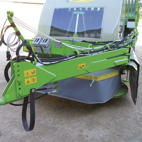 Falcia-autocaricante-Bonino-Venere-Giunone-doppio-telaio-self-loading-moving-machine-in-tow-double-frame-faucheuse-autochargeuse-double-châssis