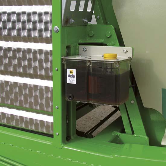 Falcia-autocaricante-Bonino-Venere-Giunone-lubrificazione-automatica-zero-grazer-automatic-lubrication-faucheuse-autochargeuse-lubrification-automatique