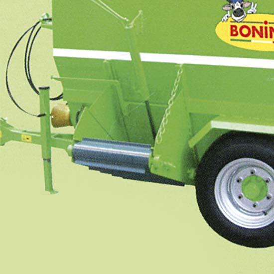 Bonino-carri-miscelatori-distributori-scarico-laterale-mixer-distributor-lateral-discharge-remorque-mélangeuse-à-fourrage-avec-déchargement-latéral-remolque-mezclador-de-forraje-distribuidor-descarga-lateral-Mischwagen-Verteilerwagen-seitliche-Entladung